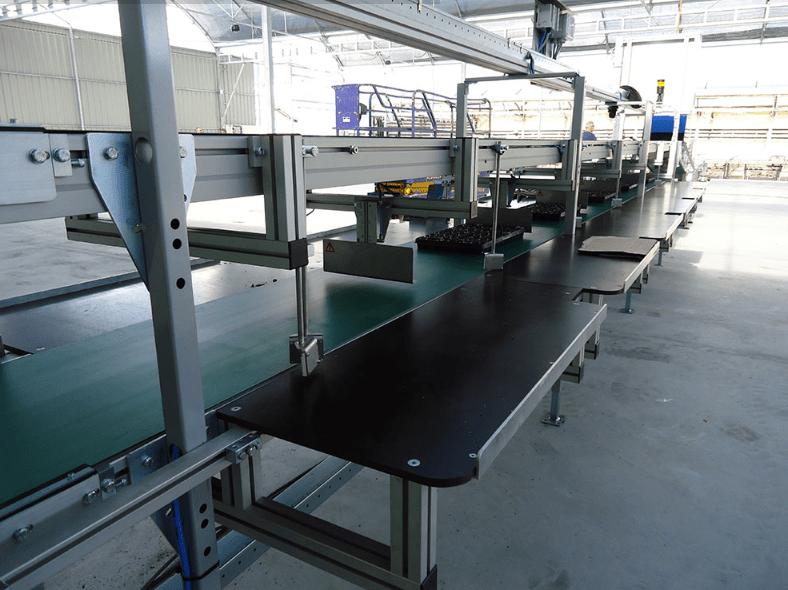 Visser - Manual Sticking Line