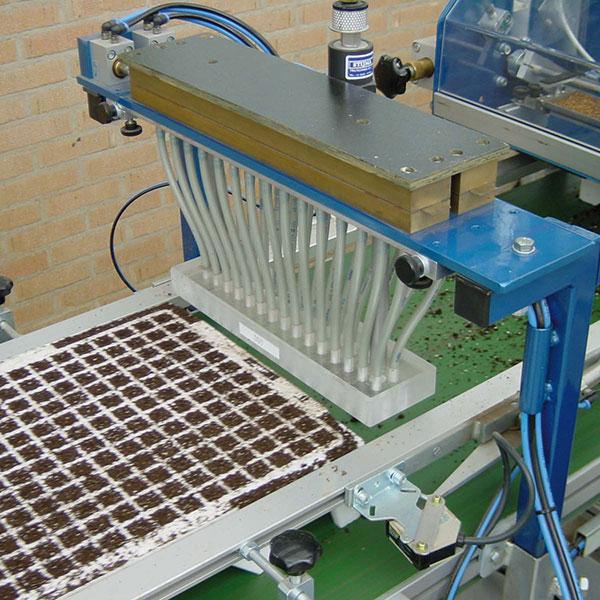 Granudine Tray Seeder